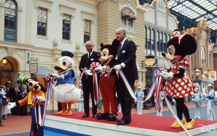 Opening of Tokyo Disneyland in 1982.