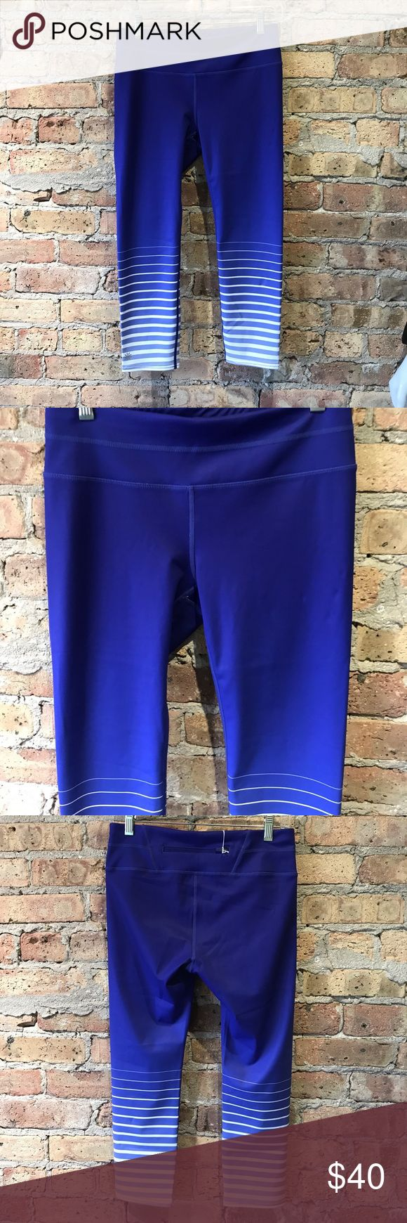 Athleta royal blue gradient leggings size small Preloved, excellent condition, 50654 Athleta Pants Leggings