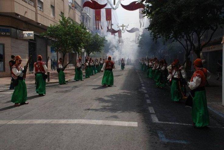 Comparsistas de las Huestes del Cadí durante una guerrilla