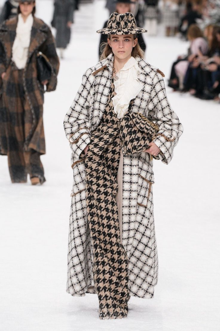Fashion Shows – Chanel Herbst/Winter 2019 Ready-to-Wear – Kollektion – VOGUE Germany