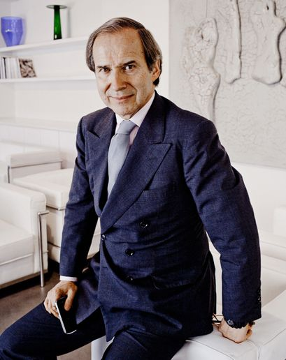World famous auctioneer, Simon de Pury, will host the 23rd Annual Watermill Center Summer Benefit & Auction. Courtesy of GQ.com. www.slamp.com