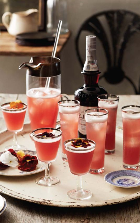 30 Ladylike Cocktails That Will Impress Your Dinner Party Guests  - TownandCountryMag.com