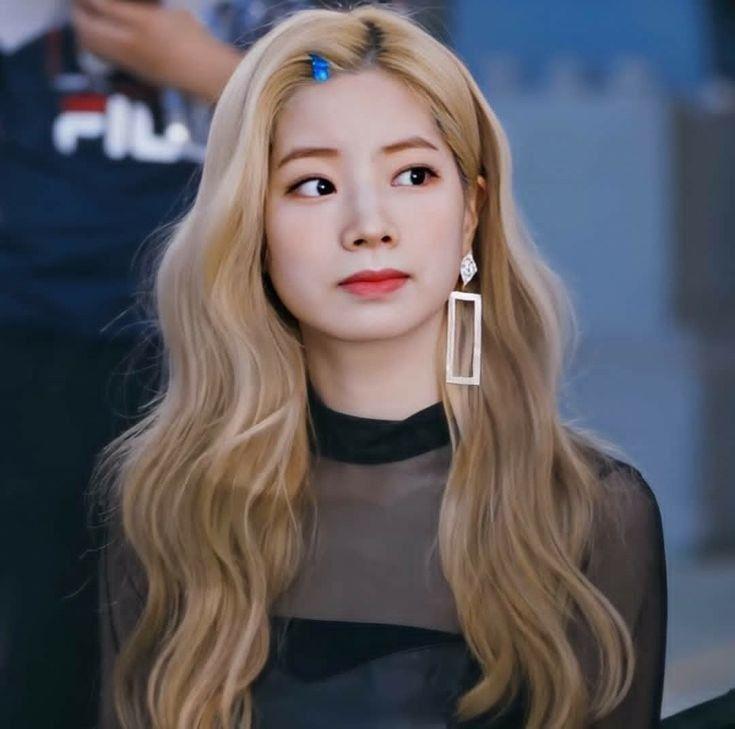 Dahyun Blonde Hair Kpop Kpop Girls Blonde Hair