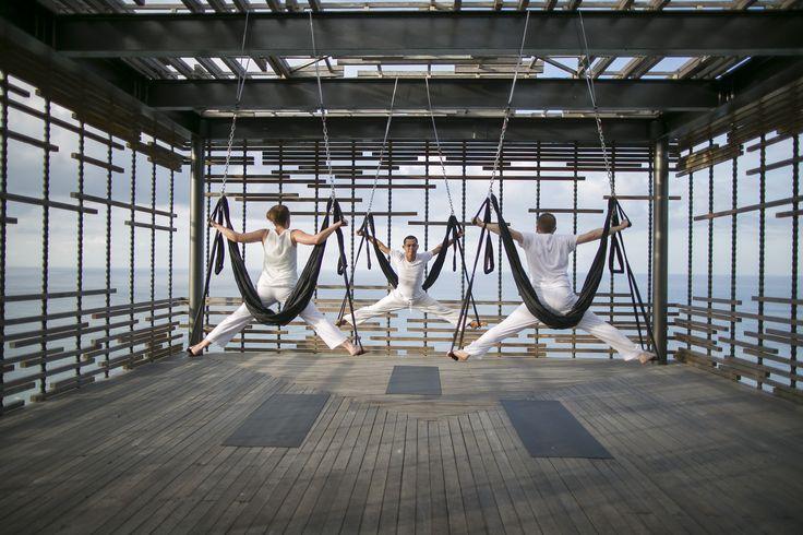 Aerial yoga - Alila Villas Uluwatu