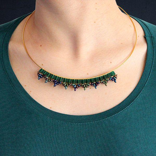 Collier émeraude perles mini square Swarovski et Superduo