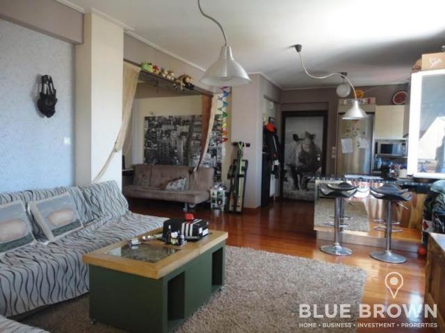Διαμέρισμα 70 τ.μ., πωλείται στο κέντρο της Γλυφάδας, 4ου ορόφου, με 1 υπνοδωμάτιο με δυνατότητα για δέυτερο, σαλόνι με τζάκι, πάρκινγκ, αποθήκη, θέα στη θάλασσα...