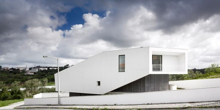 Modern house in PortugalVidigal House by Contaminar Arquitectos (2)