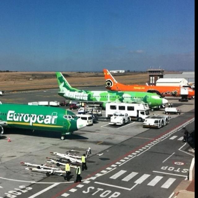 Local lineup at LANSERIA Intl Airport