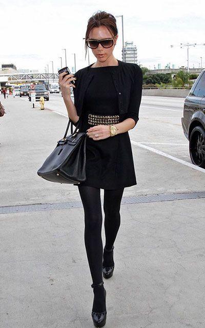 Носят ли черное платье с черными колготками?