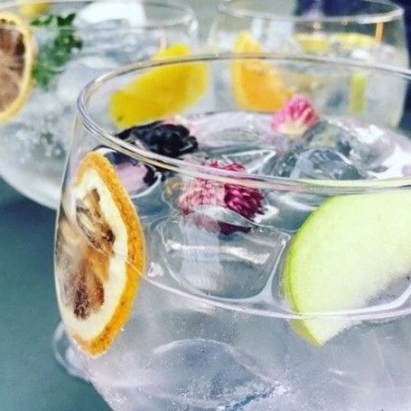 How not to make a gin and tonic - gin and tonic mistakes - Red Online