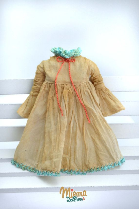 This handmade Miema Dollhouse dress in vintage girl style fits Blythe dolls,Licca, Azone and other dolls with the same body size.1/6 doll (22-25 cm