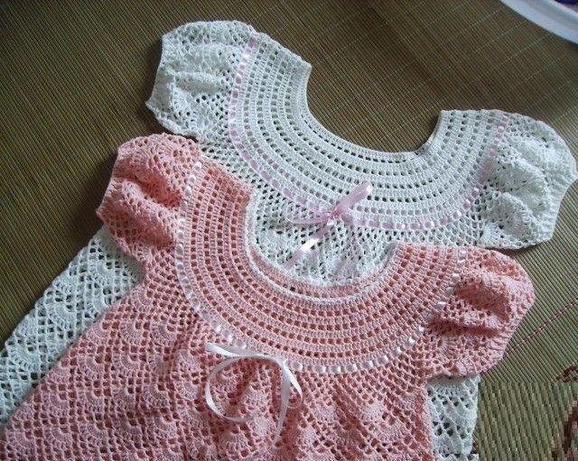 Kurdeleli tığ işi bebek elbise modeli