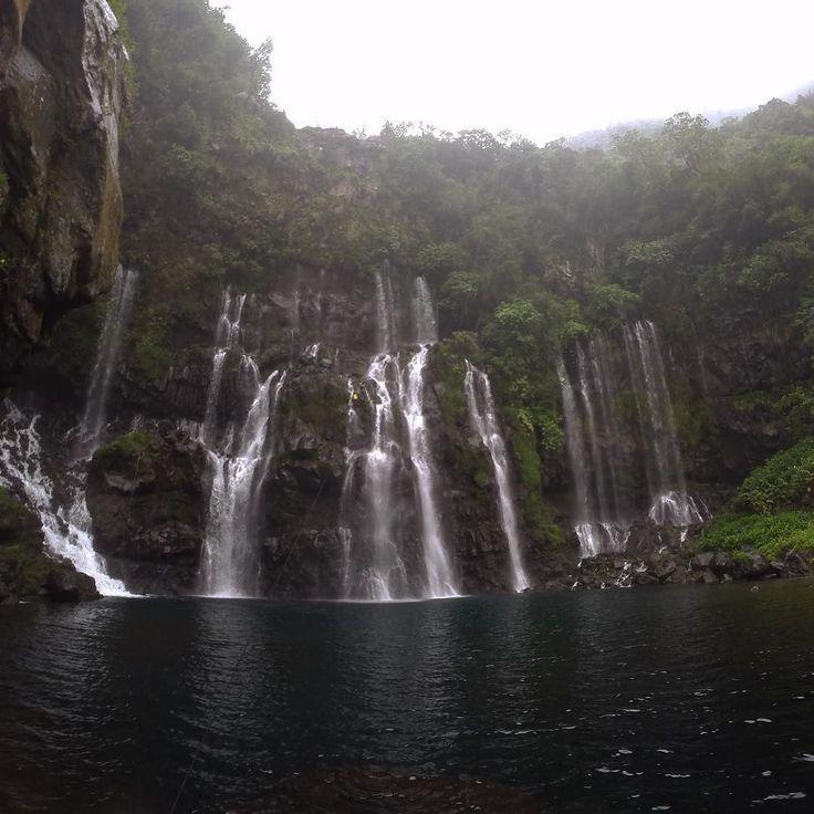 Descente en rappel d'une cascade de 95m : DONE  #waterfall #climb #water #Lareunion by sososososososososososososososo