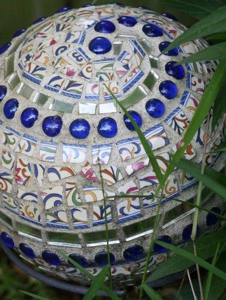 bowling ball mosaic garden art ideas