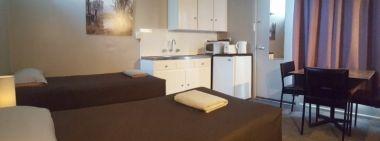 family unit with kitchenette - Meeniyan Motel