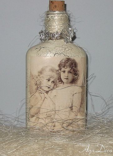 Decoupage Christmas Bottle by Ayadeco.pl, via Flickr