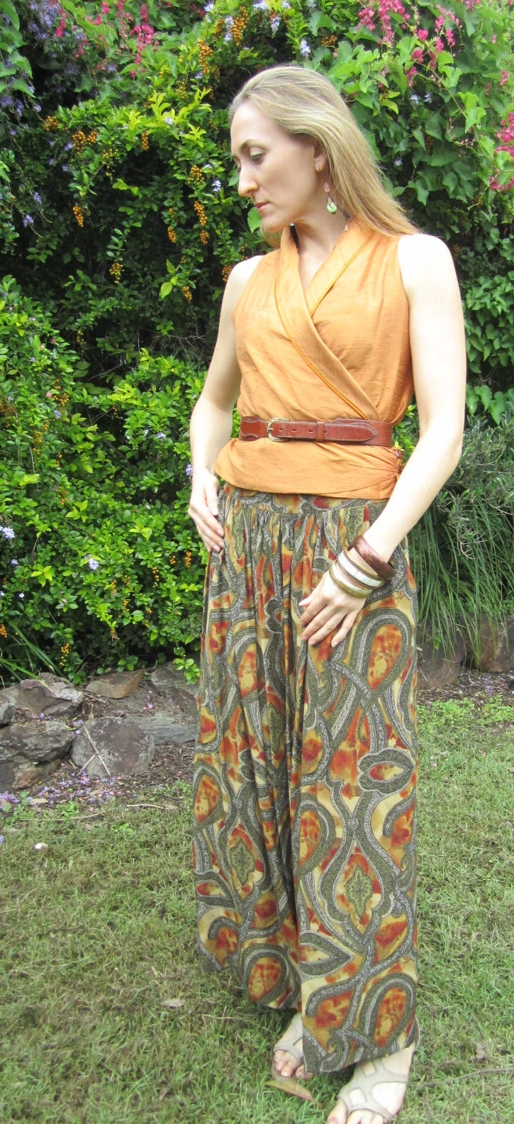 Autumn dreaming today with beautiful wide legged silk pants, shot silk vest style top cinched with RM Williams leather waist belt and a few bangles - follow my outfits on twitter @misstreschic