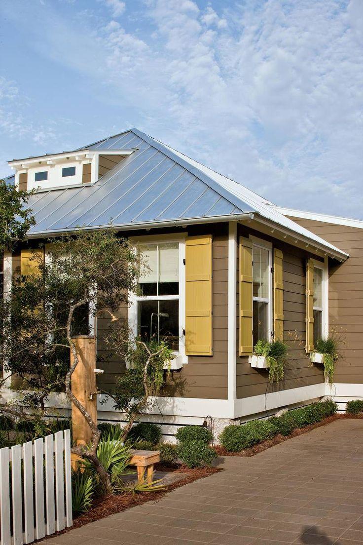 Prefabricated Home with Coastal Style