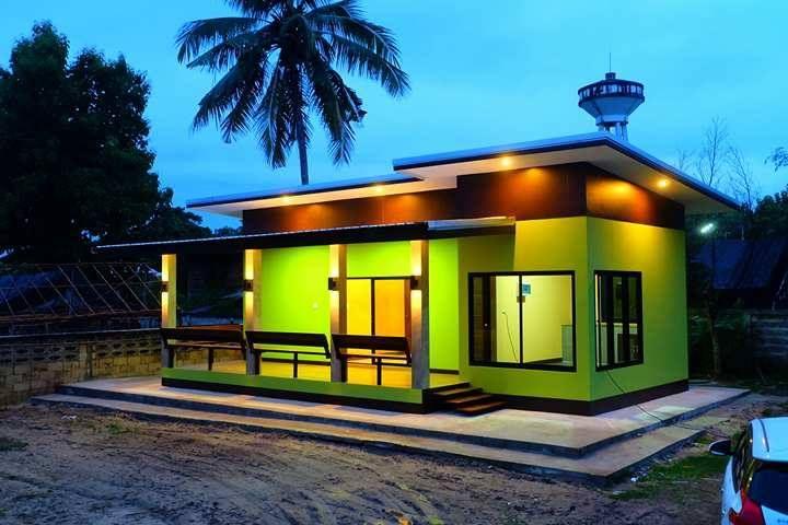 บ้านโมเดิร์นชั้นเดียว โทนสีเขียวสุดแจ่ม พร้อมเฉลียงกว้าง งบประมาณ 5 แสนนิดๆ (1 ห้องนอน 1 ห้องน้ำ) | NaiBann.com