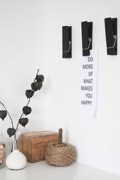 Love this idea for displaying artwork or other small items.
