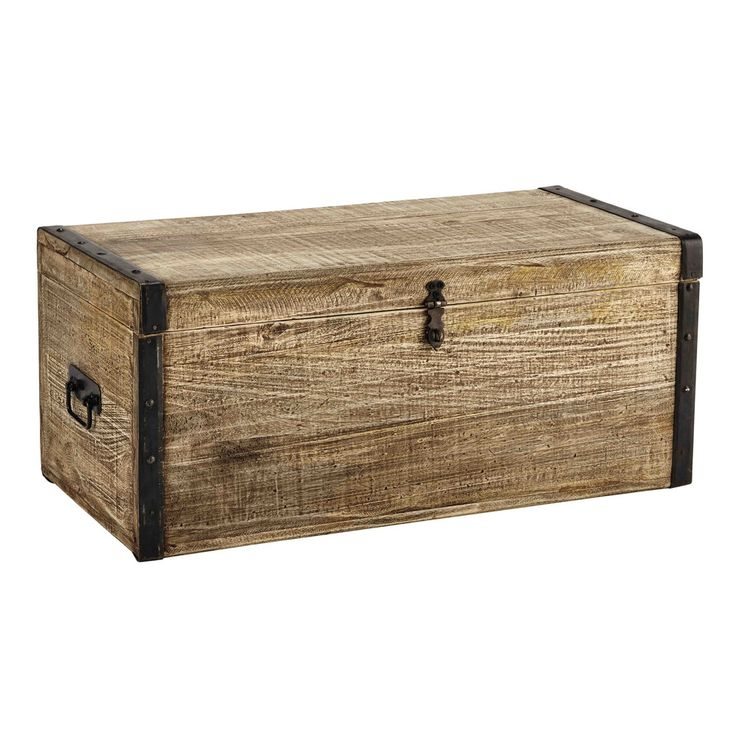 best 25 wooden trunks ideas on pinterest wooden trunk coffee table wooden trunk diy and. Black Bedroom Furniture Sets. Home Design Ideas