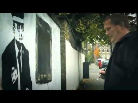 ▶ Robbo vs Banksy- Graffiti War - YouTube