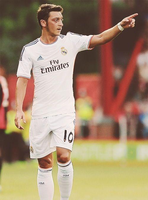 #Özil... Magia en el mediocampo