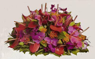 2102. Kleurige biedermeier, exotisch bloemen en kleuren ± 55cm