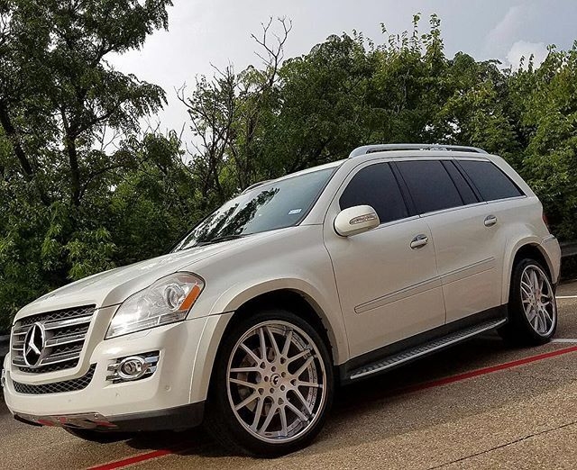 """Instagram media by trendsetters214 - TRENDSETTERSDALLAS outfitted this Mercedes GL550 on these Custom Satin Face with Chrome Lip 22"""" @forgiato @wheels with Pirelli Tires........ #TrendsettersDallas #Mercedes #GL450 #GL550 #MercedesSUV #Benz #ParkPlace #Forgiato #Wheels #ForgiatoWheels #lux #luxurylifestyle #carswithoutlimits #blacklist #carsofinstagram #amazingcars247 #22s #Campwisdom #2143306255"""