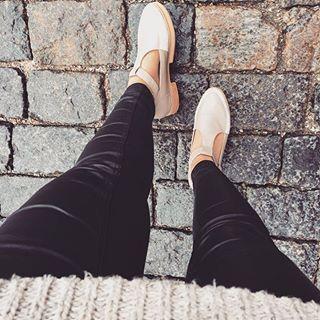 Наши очень крутые #сандалии остались только в 38р-ре! Повтора не будет!!! Так что успевайте обладательницы данной цифры! Вы останетесь довольны! Натуральная кожа, полностью ручная работа! Цена 12900 руб! #highshoes #hshoes #hshoesmsk #обувь #дизайнерскаяобувь #обувьручнойработы #русскиедизайнеры #носирусское #лоферы #ботинки #обувьмосква #обувьназаказ #Нюд #базовыйгардероб