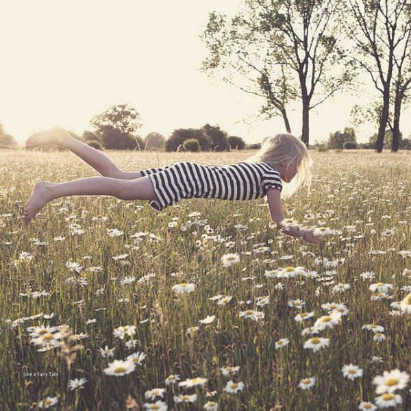 Levitation Photography: 65 Stunning Examples & Tutorials