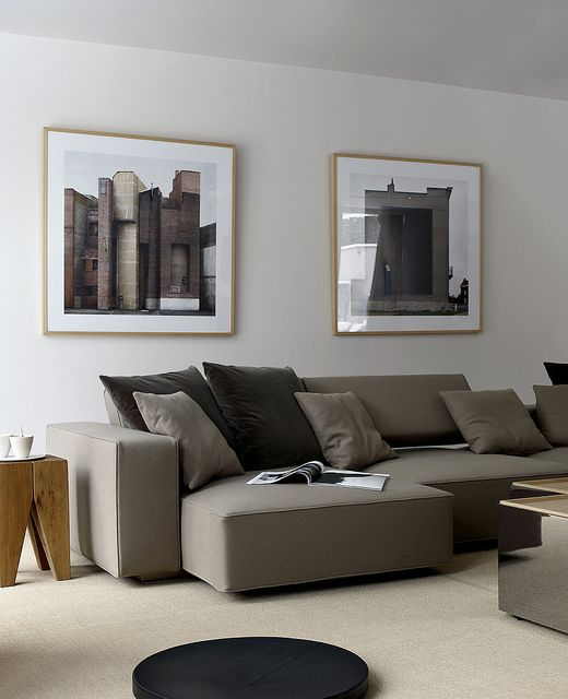 THIS STYLE OF SOFA IN  A LIGHTER GREY BASED BEIGE ( ADD THROW CUSHIONS ALREADY PINNED )