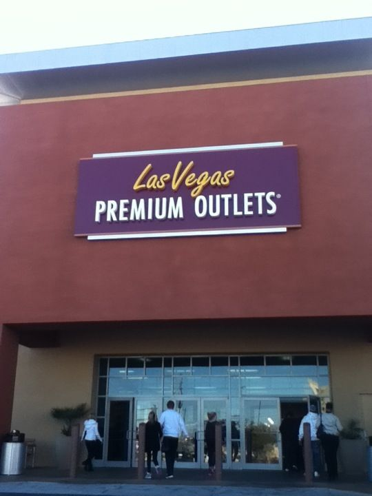 Las Vegas Premium Outlets South in Vegas, NV - Shop The Top Online Shopping Sites - http://AmericasMall.com
