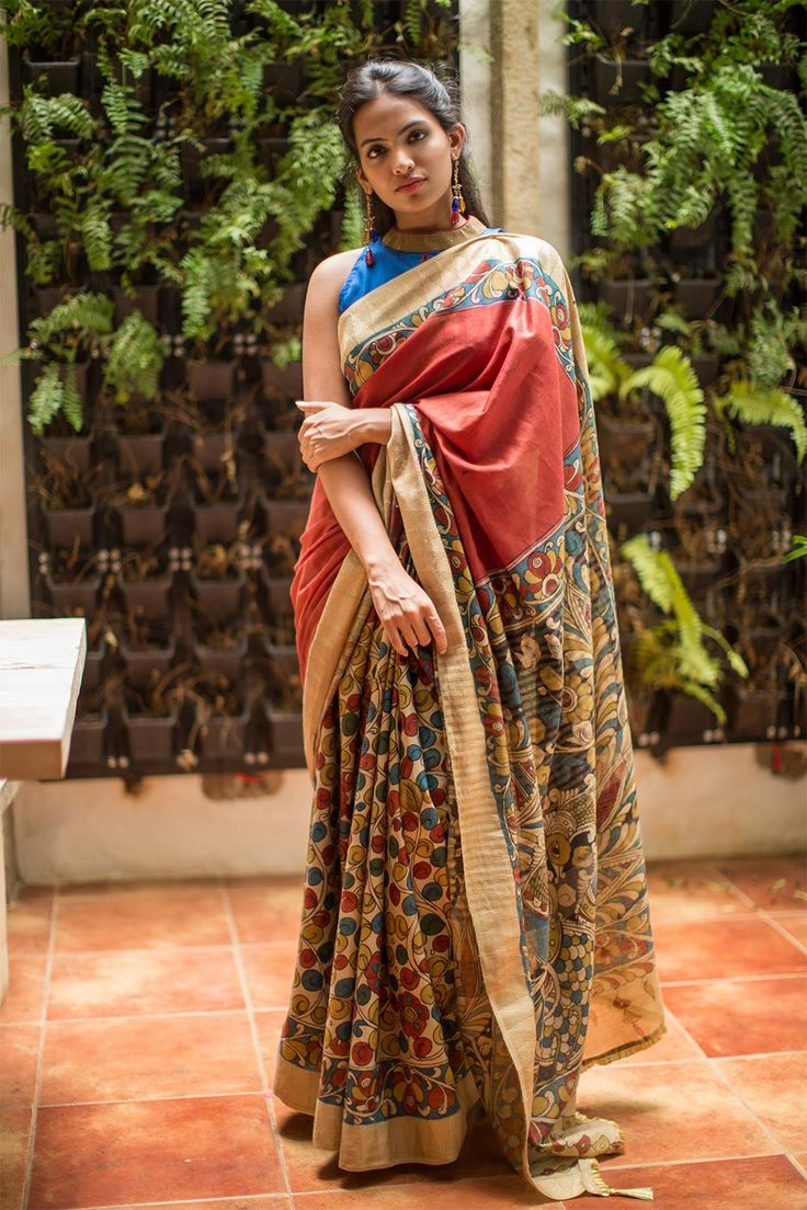 This saree is in the true Kalmakari tradition. A deep maroon half with a Kalamkari floral half in a rich spun cotton…This would keep you cool and comfortable as well as make you walk around as if you are wearing a piece of art! A whole lot of ways to pair this beauty! Pick any color from the Kalamkari pattern and make a blouse of that color and you will not go wrong. #kalamkari #saree #india #blouse #houseofblouse