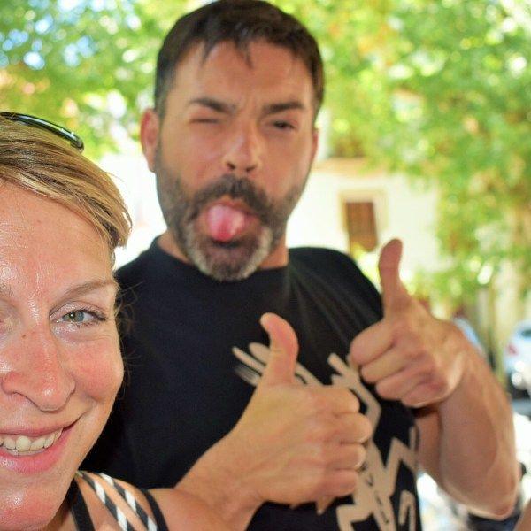 Meidenweekend? Ga naar Sevilla! Met de meiden door Sevilla struinen met wijn & de allerbeste (gastronomische) tapas ever. Echt gegarandeerd zon & genieten!