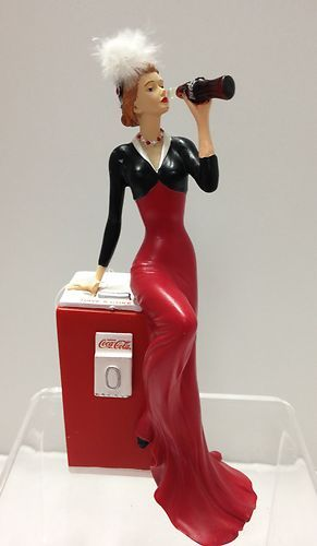 """Coca-Cola - """"Coke Beauties of the 1940's"""" - Flawless Delight Lady Figurine"""