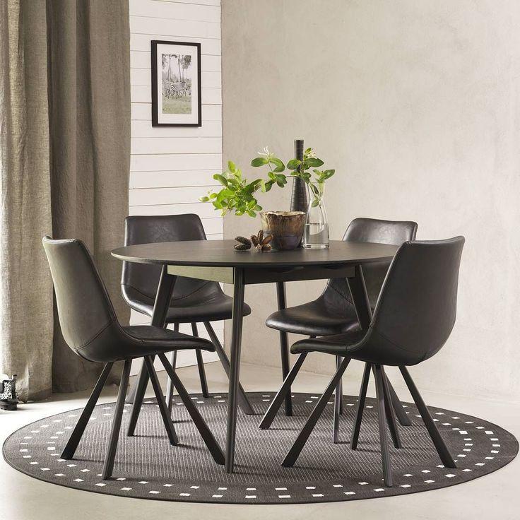 Yumi matbord andas nordisk designretro. Borden präglas av ett professionellt hantverk med fasad skiva och stilrent formsvarvade ben. Här kombinerad med den moderna Alpha stolen. ------------------------------- The Yumi dining table oozes retro Nordic design. The tables bear the stamp of professional craftsmanship with elegant bevelled tops and profile-turned legs.#rowico . . . . . . #scandinaviandesign #scandinavianstyle #nordicdesign #nordicdesign #furniture #möbler #matbord #diningtable…