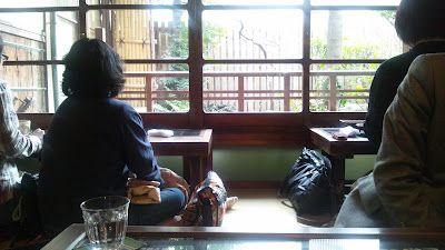 電脳爺のデジタルノマドライフ: 食べ歩き部 人形町新参者の世界を巡る③ 黒茶屋のキャラメルみたらしパフェ