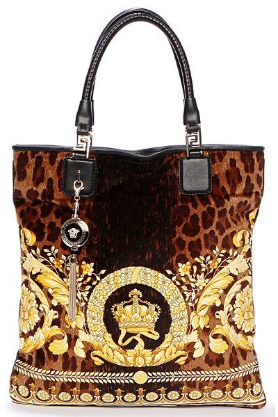 Versace Seguici diventa nostra fan ed entrerai nel mondo fantastico del Glamour !!!  Shoe shoes scarpe bags bag borse fashion chic luxury street style moda donna moda uomo wedding planner  hair man Hair woman  outfit time watch
