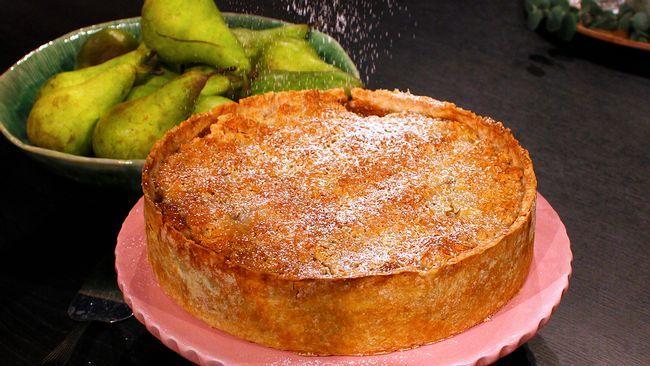 Päronpaj med knäckigt kolatäcke. // Pear pie with crispy caramel on top. Use Acid pears (in Swedish)