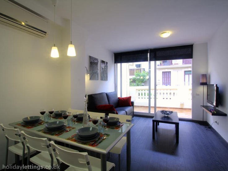 2 bedroom apartment in Barcelona to rent from £770 pw. With balcony/terrace, air con, TV and DVD.