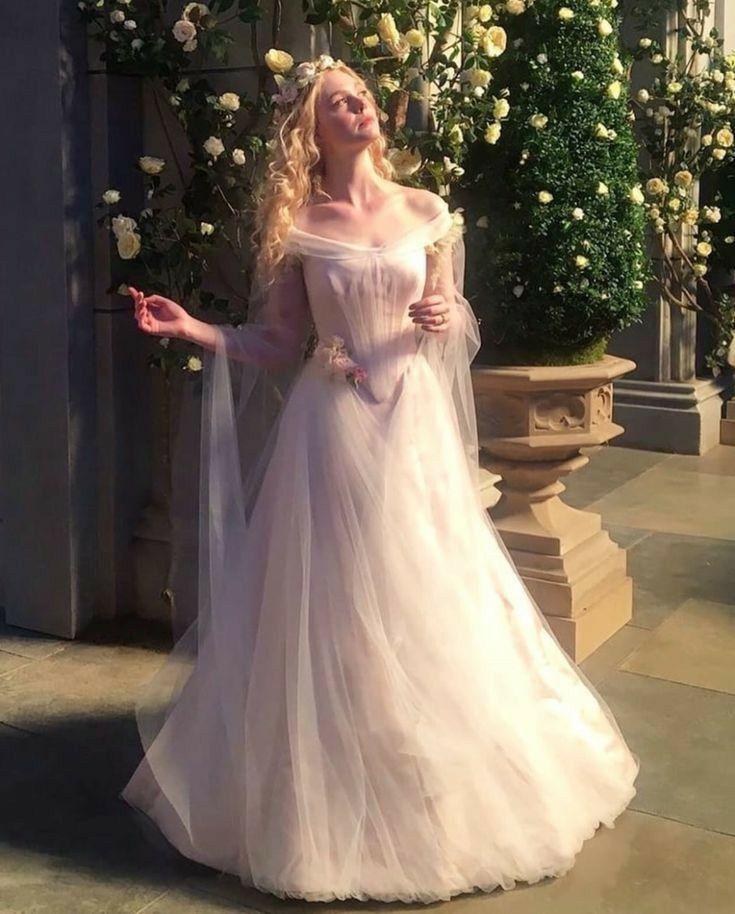 Aurora In Her Wedding Gown Maleficent Mistress Of Evil 2019 In 2020 Disney Wedding Dresses Fairytale Dress Fantasy Dress