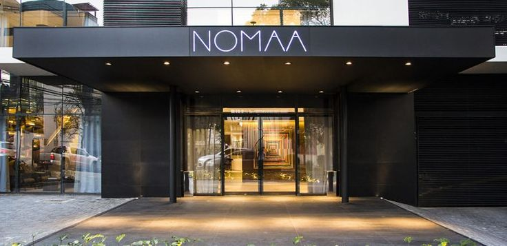 Fachada do hotel Nomaa em Curitiba