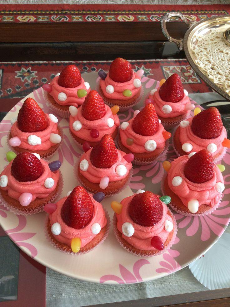 #cupcake #strawberry #pink