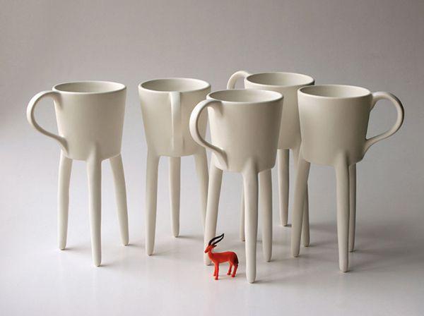 Op hoge poten koffie drinken met deze giraffe-kopjes -
