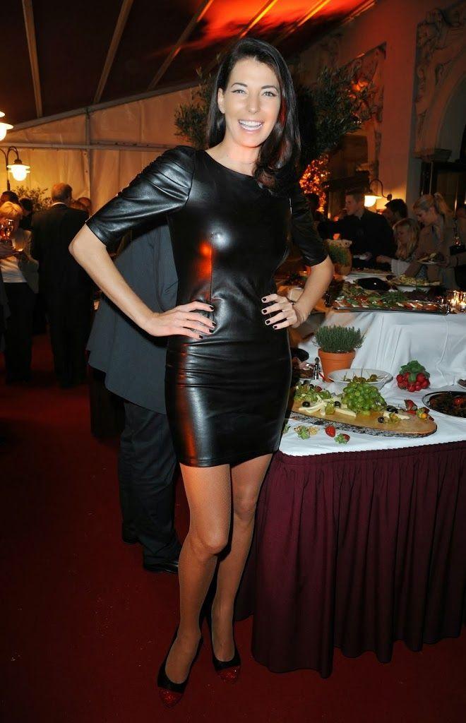 giulia siegel in leather dress latex skirts and dresses pinterest leder. Black Bedroom Furniture Sets. Home Design Ideas
