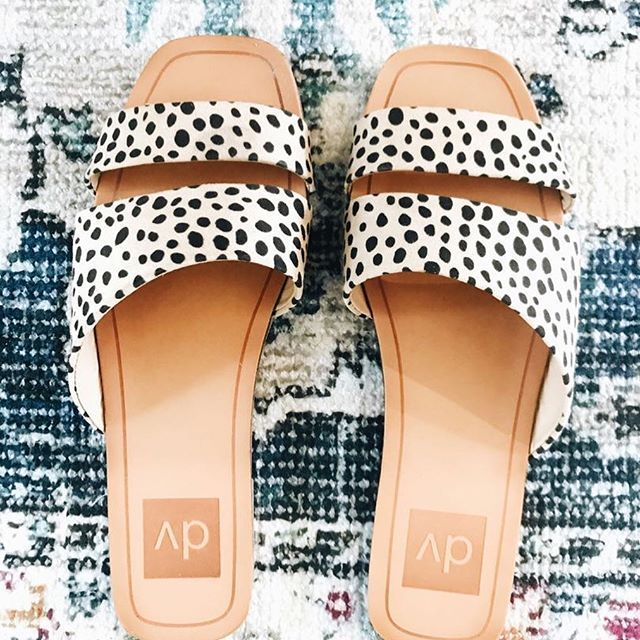 Fall..lling for leopard!! If you are still in hot weather, sandals are a good way to incorporate the leopard print that we all love! Link in profile 👆for other fall ideas for when it's hot! @targetstyle . . . #howyouglow #theeverydayproject #fashionblogging #fashionblogger #styleblogger #stylecollective #styleblogger #fashion #lookbook #musthave #fblogger #bblogger #makeyousmilestyle #momstyle #ootd #outfitidea #instastyle #instafashion #fashion #style #lookbook #fashioninspiration #d