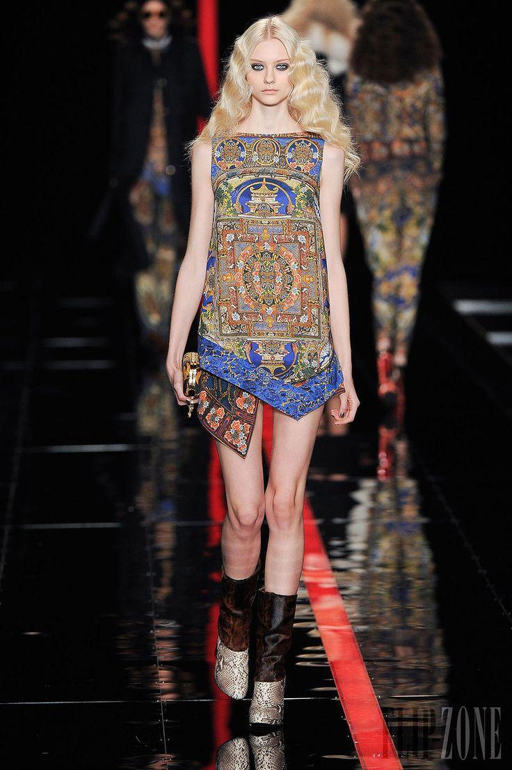 Just Cavalli - Ready-to-Wear - Fall-winter 2013-2014 - http://en.flip-zone.com/fashion/ready-to-wear/fashion-houses-42/just-cavalli-3747 - ©PixelFormula