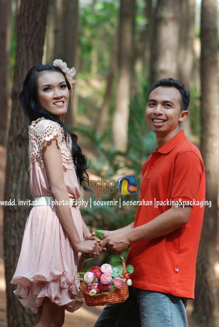#prewedding #flower #dress #bride #groom #photography #nachapro #solo #indonesia