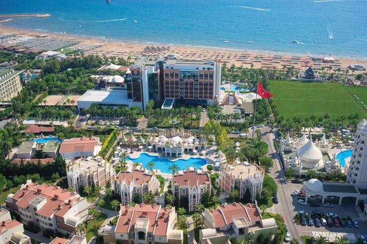 Kamelya Selin Hotel -   Bu tesis plaja 2 dakikalık yürüme mesafesinde. Deniz kıyısında yer alan Kamelya Selin Hotel, Çolaklı Plajı'nda özel bir alana sahiptir. Bahçe veya deniz manzaralı odalarda klima bulunur. Tesiste açık yüzme havuzları, su kaydırakları, spa merkezi …